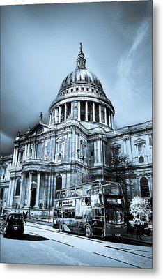 St Paul's Cathedral London Art Metal Print by David Pyatt
