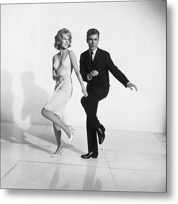Dancing The Twist Metal Print by Underwood Archives