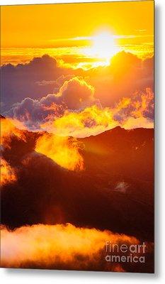 Clouds At Sunrise Over Haleakala Crater Maui Hawaii Usa Metal Print