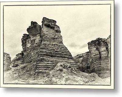 Monument Rocks - Chalk Pyramids Metal Print by Bill Kesler