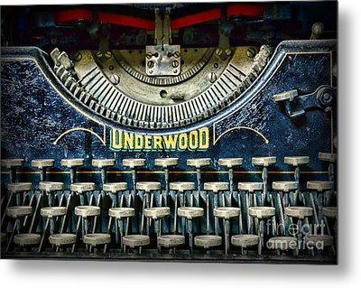 1932 Underwood Typewriter Metal Print by Paul Ward