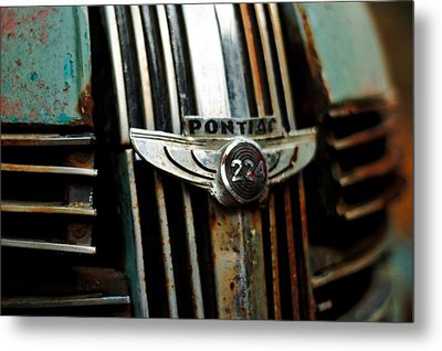Metal Print featuring the photograph 1937 Pontiac 224 Grill Emblem by Trever Miller