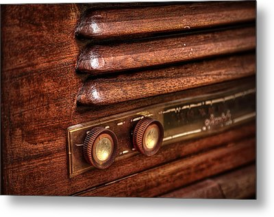 1948 Mantola Radio Metal Print by Scott Norris