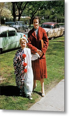 1950s Mother With Sun Dressed In Clown Metal Print