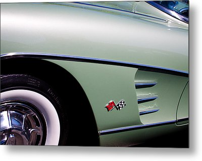 1960 Chevy Corvette Metal Print by David Patterson