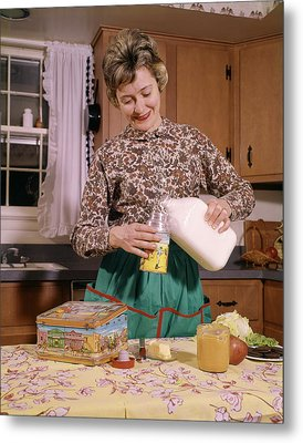 1960s Smiling Woman Housewife Mother Metal Print