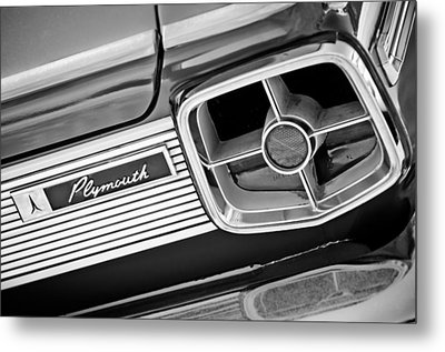 1963 Plymouth Fury Taillight Emblem -3321bw Metal Print