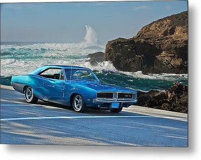1969 Dodge Charger Rt At Oceanside Metal Print by Dave Koontz