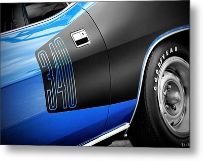 1971 340 Plymouth 'cuda Metal Print by Gordon Dean II