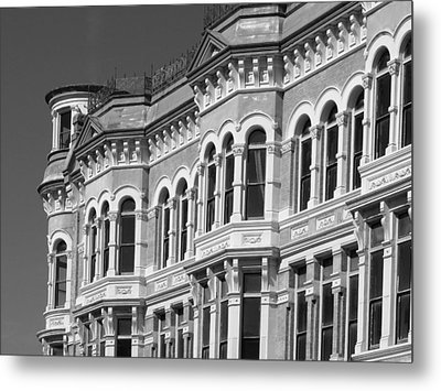 19th Century Architecture Bw Metal Print by Connie Fox