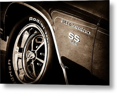 1970 Chevrolet El Camino Ss 454 Ci Wheel - Side Emblem Metal Print