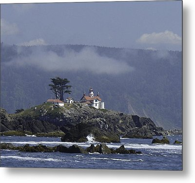 Metal Print featuring the photograph Battery Point Lighthouse by Betty Depee