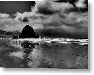 Cannon Beach - Oregon Metal Print by David Patterson