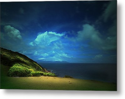 Metal Print featuring the photograph Dream's Island by Afrison Ma