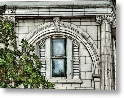 Elegance In The French Quarter Metal Print