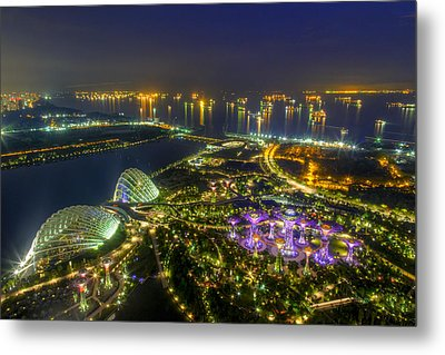 Gardens By The Bay Metal Print by Mario Legaspi
