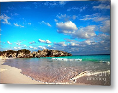 Horseshoe Bay In Bermuda Metal Print by Charline Xia
