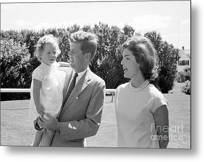 John F. Kennedy With Jacqueline And Caroline 1959 Metal Print by The Harrington Collection