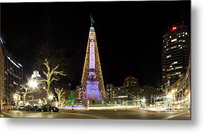 Monument Circle At Christmas Metal Print