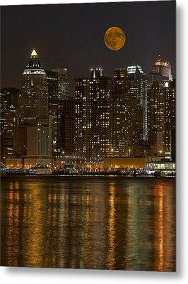 Moonrise Over Manhattan Metal Print by Susan Candelario