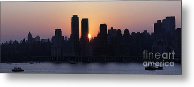 Metal Print featuring the photograph Morning On The Hudson by Lilliana Mendez