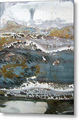 Rust Never Sleeps Metal Print by Les Cunliffe