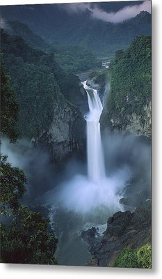 San Rafael Falls On The Quijos River Metal Print by Pete Oxford