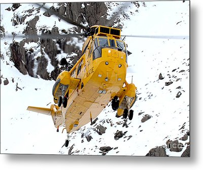 Seaking Helicopter Metal Print by Paul Fearn