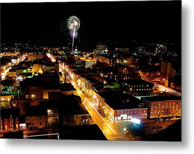 2010 New Years Eve Fireworks Metal Print by Paul Wash
