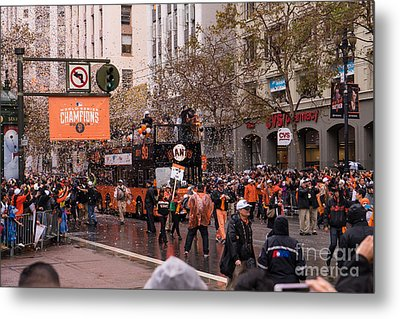 2014 World Series Champions San Francisco Giants Dynasty Parade Dsc1955 Metal Print by Wingsdomain Art and Photography