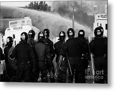 Psni Riot Officers Behind Armoured Land Rover And Water Cannon On Crumlin Road At Ardoyne Shops Belf Metal Print