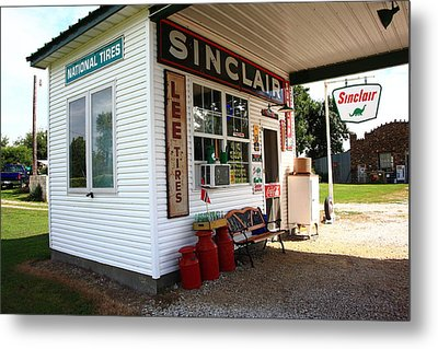 Route 66 Filling Station Metal Print by Frank Romeo