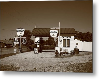 Route 66 Gas Station Metal Print by Frank Romeo