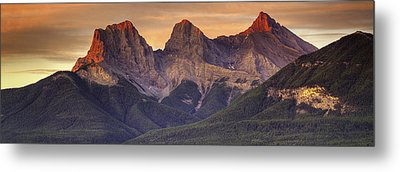 3 Sisters Canmore Alberta Metal Print by Diane Dugas