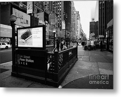 34th Street Entrance To Penn Station Subway New York City Usa Metal Print