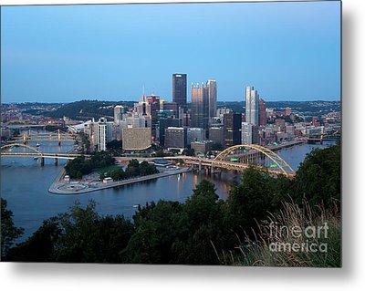 Downtown Skyline Of Pittsburgh Pennsylvania Metal Print by Bill Cobb