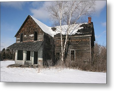 Old  House Metal Print by Paula Brown