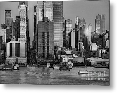 42nd Street Times Square Bw Metal Print by Susan Candelario
