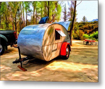 47 Teardrop Metal Print by Michael Pickett
