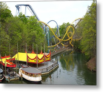 Busch Gardens - 12122 Metal Print by DC Photographer