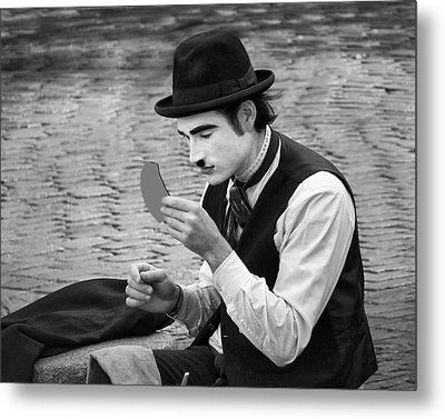 7 - Looking Good - French Mime Metal Print