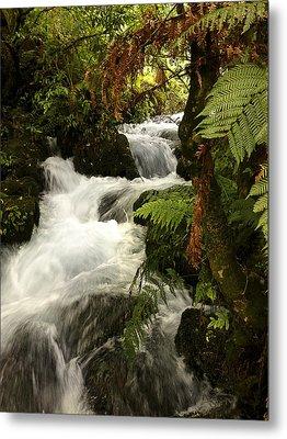 Waterfall  Metal Print by Les Cunliffe
