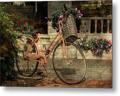 A Basketful Of Spring Metal Print by HH Photography of Florida