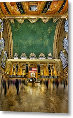 A Central View Metal Print by Susan Candelario