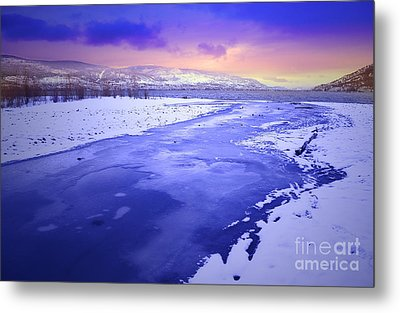 A Cold New Years Eve Metal Print by Tara Turner