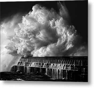 A Crashing Wave Metal Print by Maciej Hermann