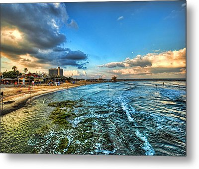 a good morning from Hilton's beach Metal Print by Ron Shoshani