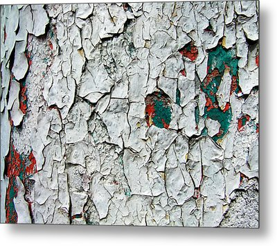 A Legacy In Peeling Paint Metal Print by Robert Knight