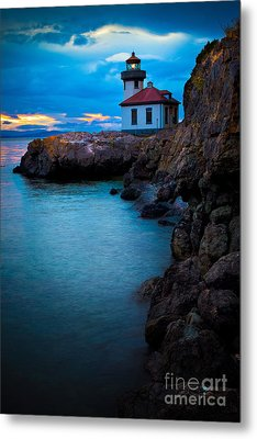 A Light In The Darkness Metal Print by Inge Johnsson