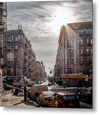 A Moment In Manhattan  Metal Print